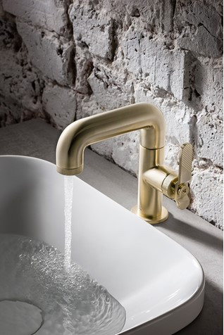 Basin Mono Brushed Brass