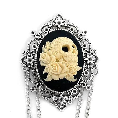 Skull & Roses Silver Cameo Brooch