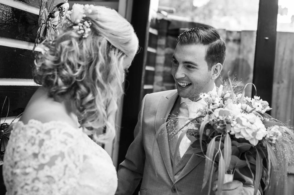 Bruidsfoto van Roy tijdens de First Look