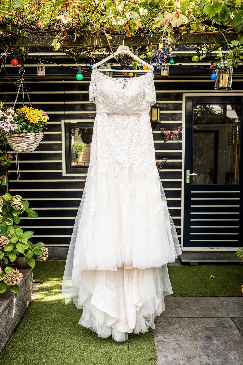 Trouwfoto van de bruidsjurk van Elise