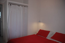 chambre rouge 2.jpg