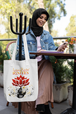 tote-bag-mockup-featuring-a-woman-wearin