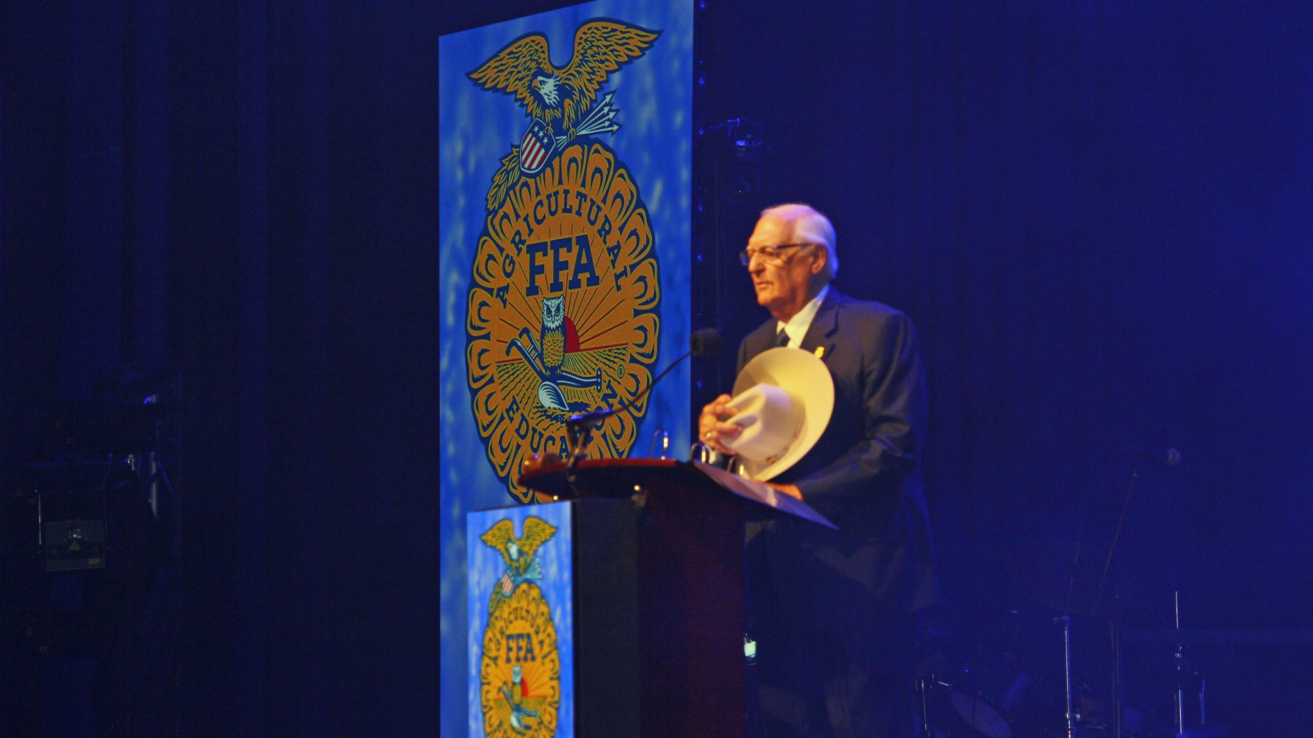 FFA Convention 2019 - Bob leading Ovacat