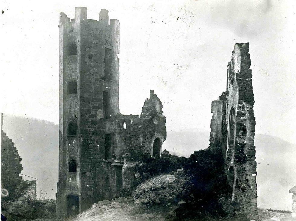 Donjon Beaucaire Marquis de Valady.jpg