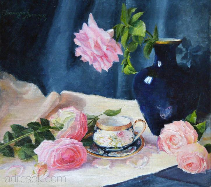 Розы с китайской чашкой