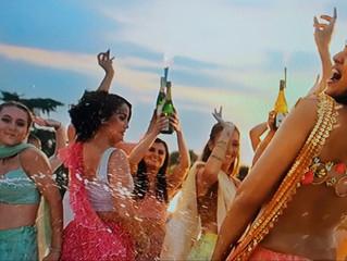 Rebecca Gifford in De De Pyaar De - Bollywood!