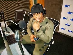 Komo On ABN Radio Uk (#KomoPullUp Radio Tour)