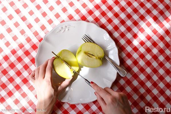 Этикет: Сага о фруктах. Яблоко.