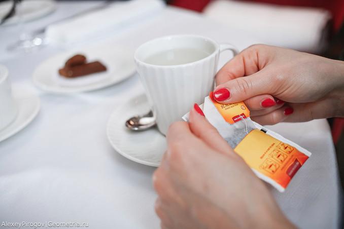 Этикет: как обращаться с чайным пакетиком