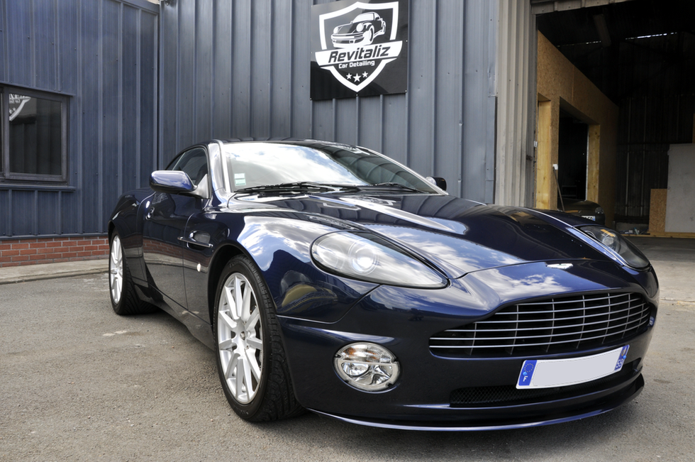 Nettoyage complet Aston Martin Vanquish