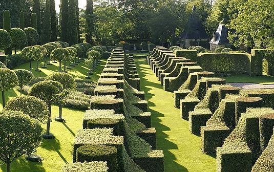 eyrignac_jardins_eric_sander_allee_charm