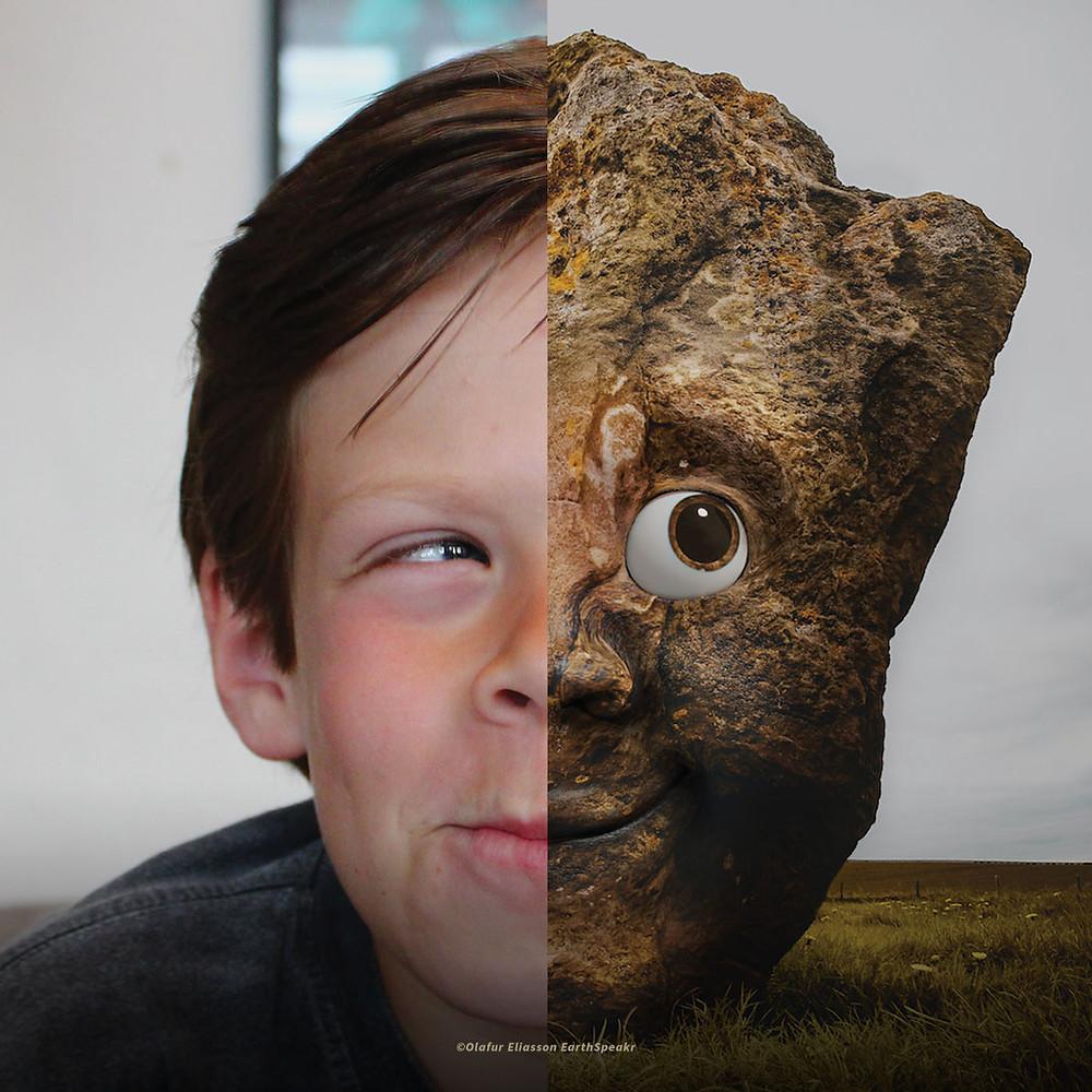 Um retrato dividido ao meio: à esquerda, um miudito com ar malandro a olhar para cima; e à direita uma rocha com olhos, nariz e boca.