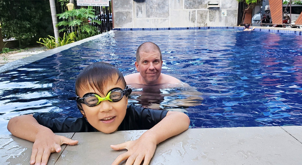 Condo with swimming pool in Chiang Mai