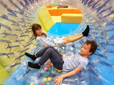 Kids in Aeon Mall, Hanoi, Vietnam