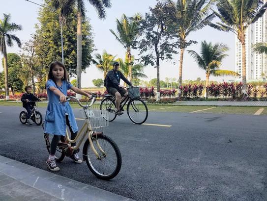 Bike riding in Hanoi, Ecopark township.