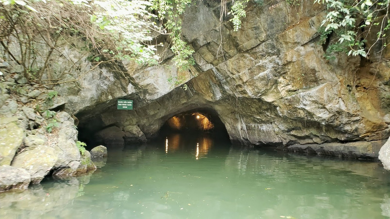 Caves in Trang An boat tour