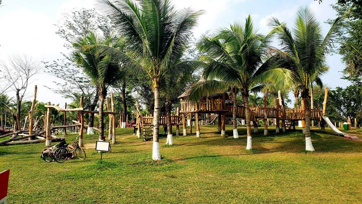 Hanoi Ecopark Township - playground