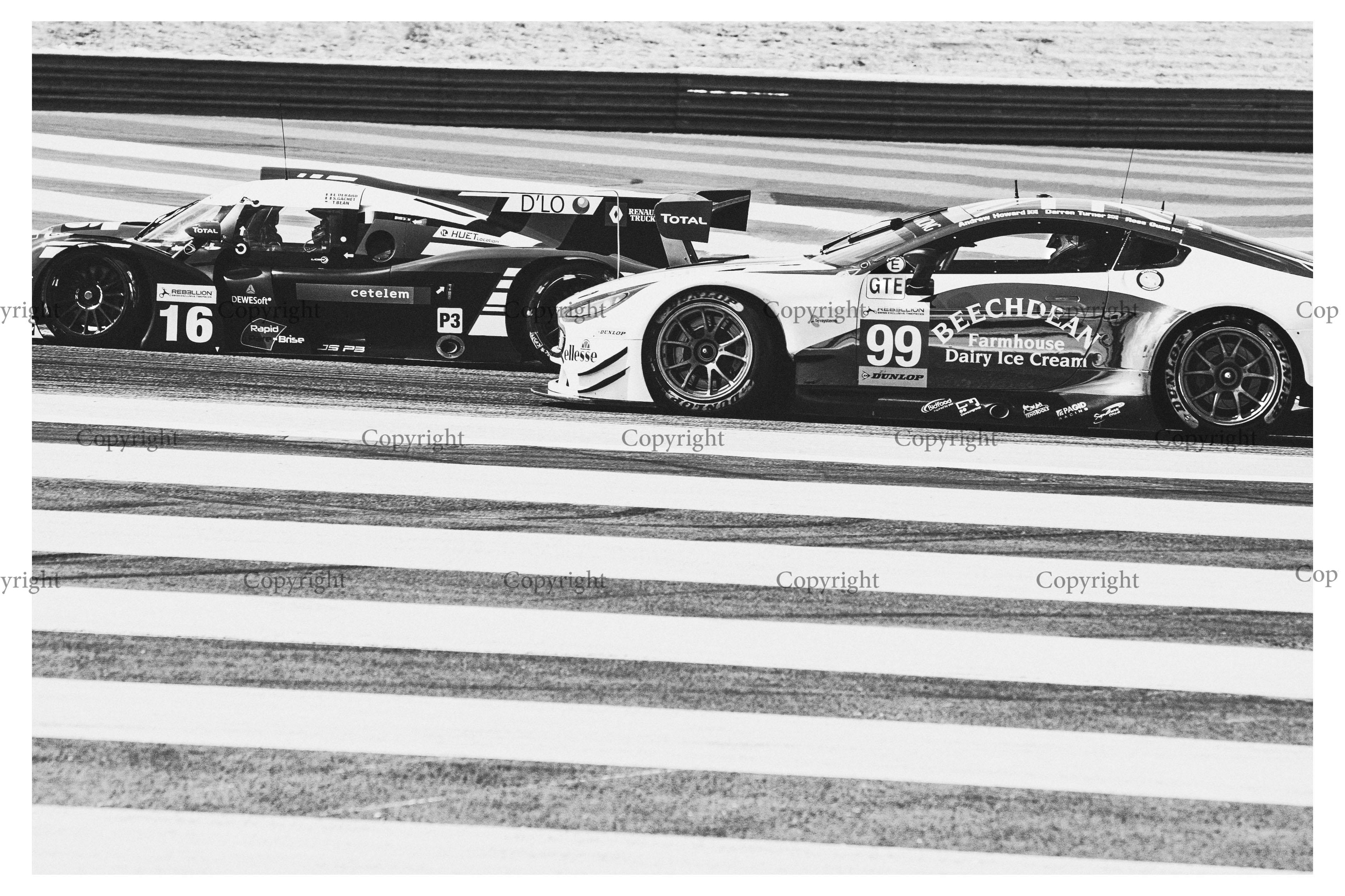 Aston Martin Vantage -2