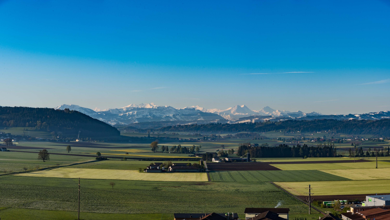 1_04_Panorama-BernerAlpen_HaenniD_3000x1