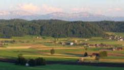 Ausblick vom Santenberg übers Wauwilermoos in die Alpen