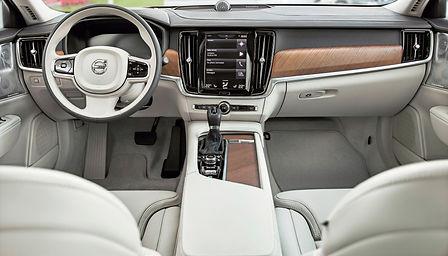 Volvo%20S90%20interior_edited.jpg