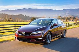 Honda Clarity FCV 3_4_edited.jpg