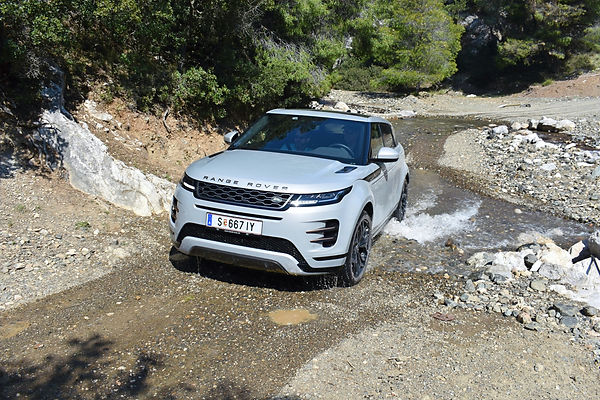 Evoque%20water_edited.jpg