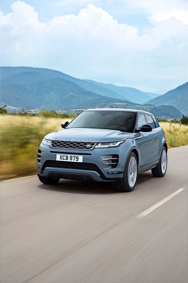 Evoque%20driving_edited.jpg