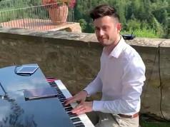 Solo_Pianist_Italy