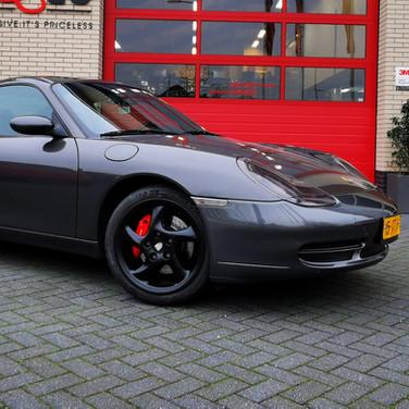 10 - Porsche remklauwen rood incl demonteren