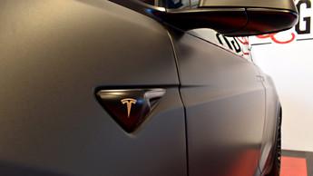 101 - Tesla X 3M Matte Metallic Black, G