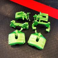 93 - VW Scirocco remklauwen spuiten Viper Green