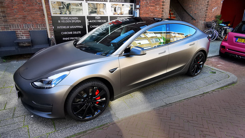 70 - Tesla 3 3M Satin Dark Grey, Chrome