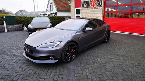 103 - Tesla Novitec Bodykit, Satin Dark