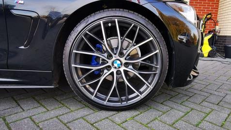 88 - BMW Alloygator zwart