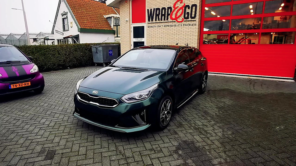 Kia Proceed in British Green Wrap