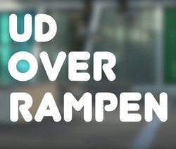 Ud over rampen