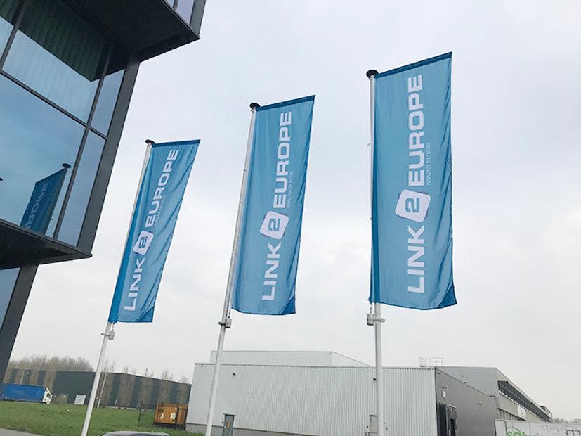 vlaggen kopie 2 web.jpg
