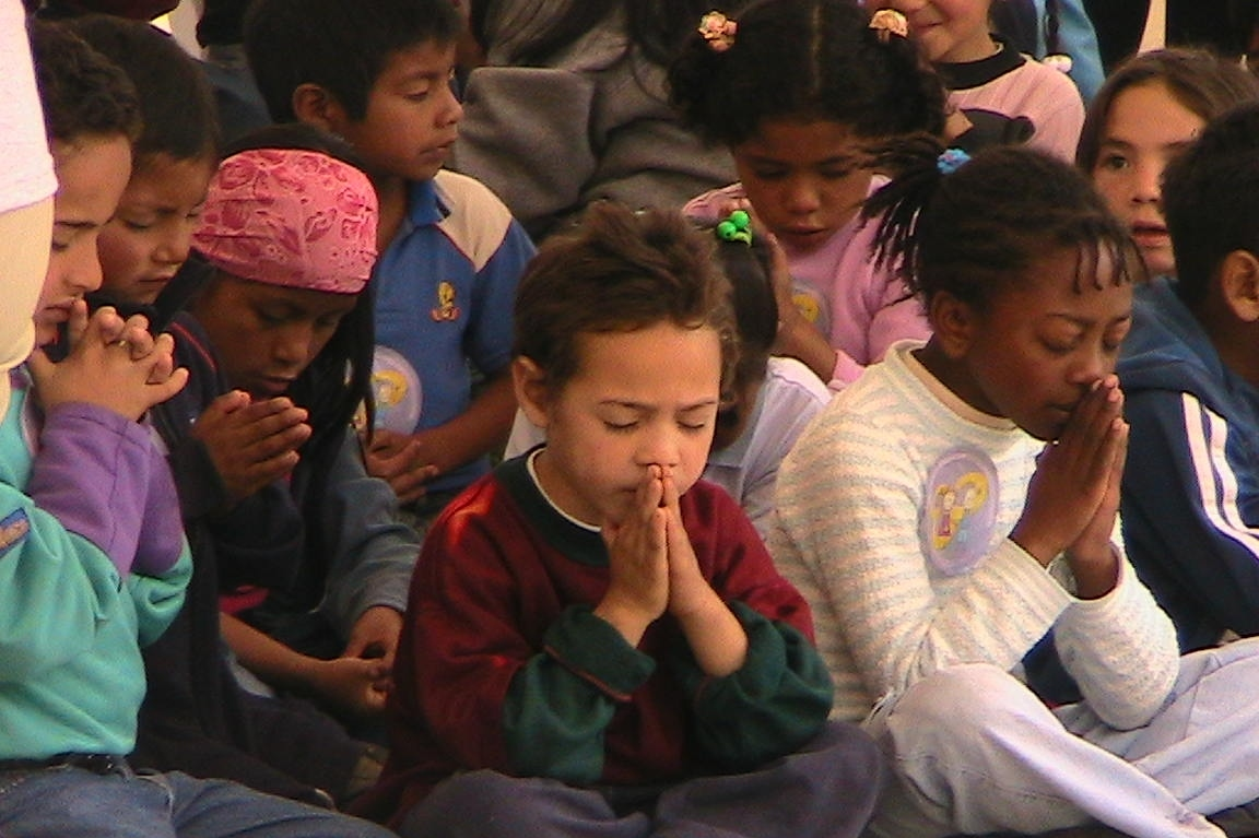 Praying_Children.jpg