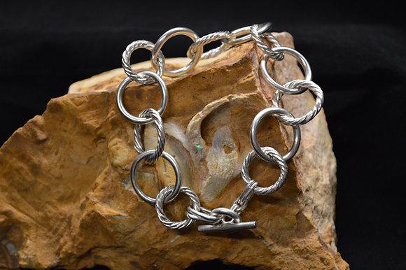 Vine twist link bracelet