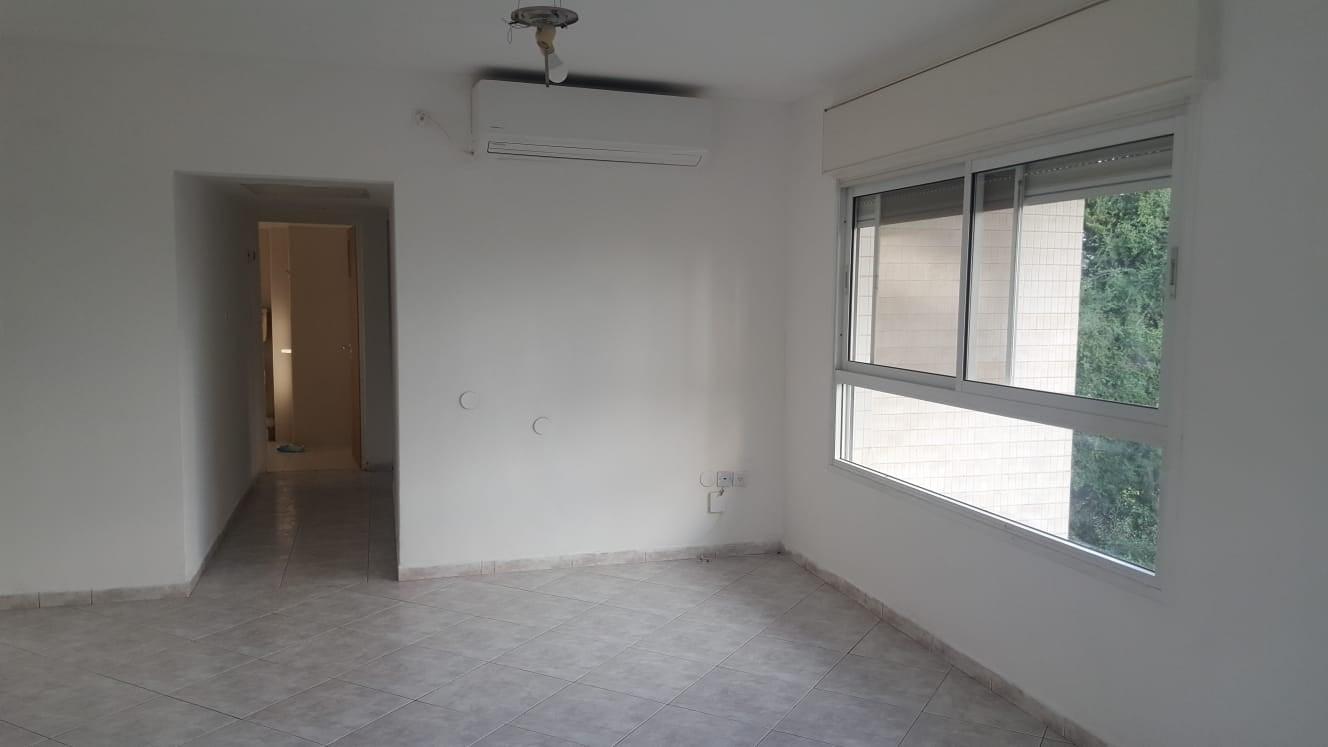 דירת 3.5 חדרים באם המושבות1