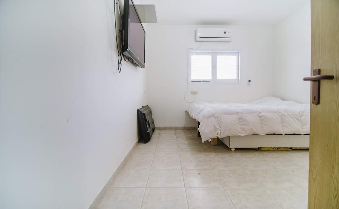 5 חדרים בקטרוני