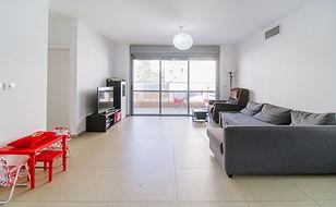 דירת 5 חדרים בהאחים יפה