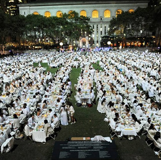 Sephira perform LIVE in Bryant Park, NYC at Diner en Blanc