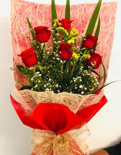 Bouquet of 6-stem local roses