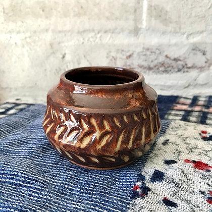 Zig Zag Carved Shino Pot