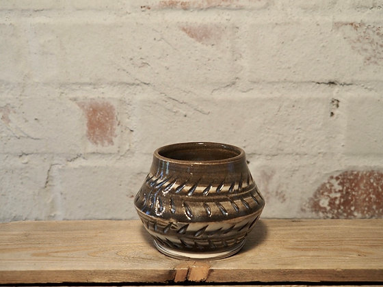 Cookies and cream carved pot