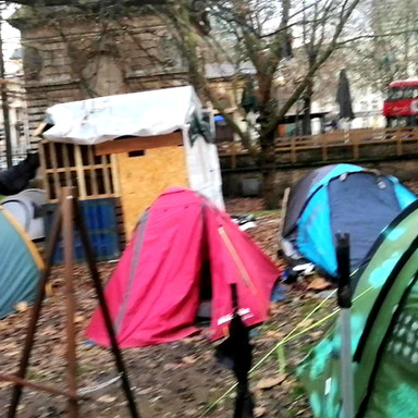 Outreach to tent camp at Euston Station