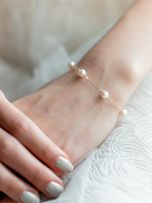 FAYE | 14K Gold-Filled Akoya Pearl Bracelet (5 Akoya Pearls)