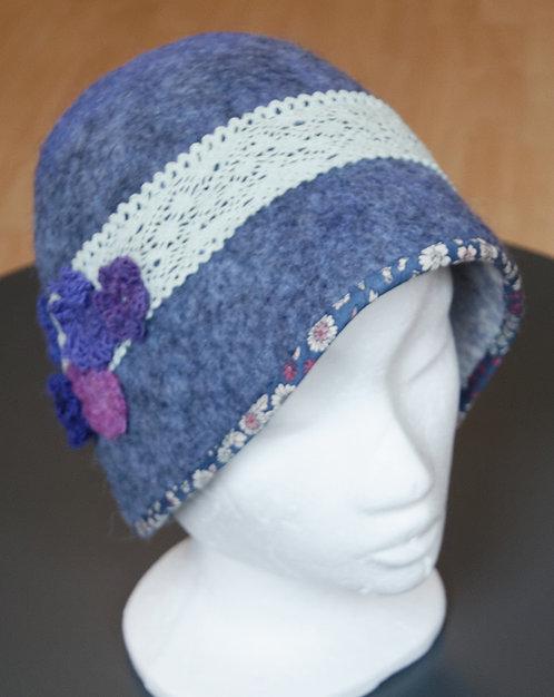 Chapeau en feutre bleu